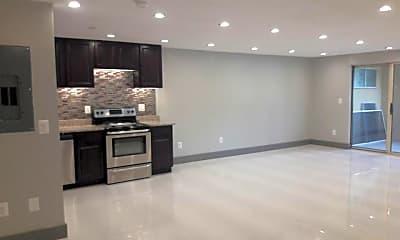 Kitchen, 1390 East St, 1