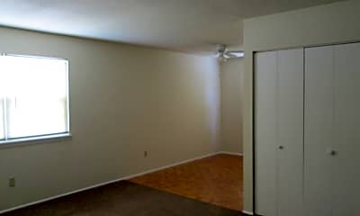 John Abbitt Apartments, 2