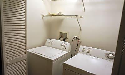 Bathroom, 2729 N. Wilton Avenue, Unit 1, Chicago, IL, 2