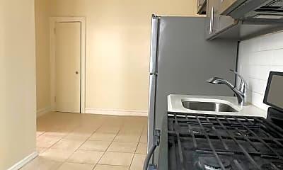 Kitchen, 518 E 51st St, 1