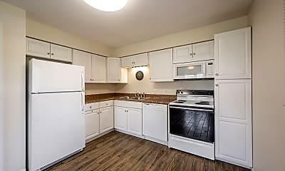 Kitchen, 140 Maple Park Drive, 2