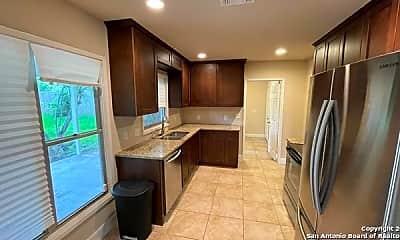 Living Room, 740 Rittiman Rd, 1