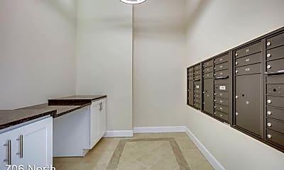 Living Room, 706 N Washington St, 2