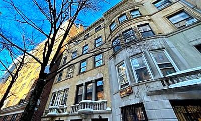 Building, 313 W 78th St 3-R, 2