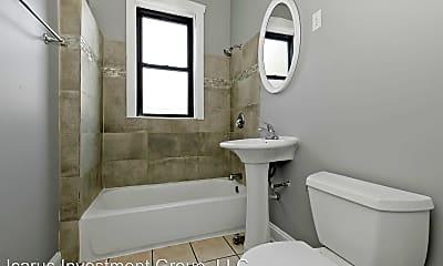 Bathroom, 1344 W Devon Ave, 2