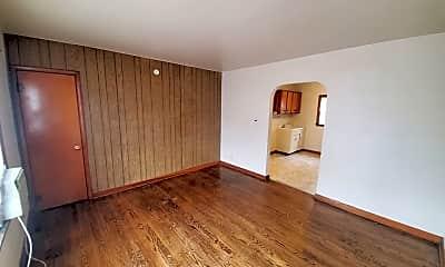 Living Room, 6302 Jefferson Ave, 1