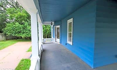 Patio / Deck, 840 Grace St, 1