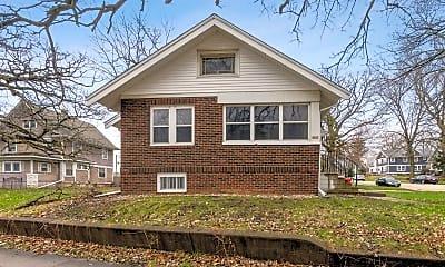 Building, 2601 1st Ave SE, 1