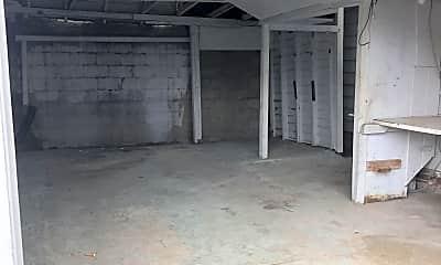 Building, 16 N Whittier Pl, 1