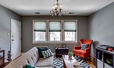 Living Room, 813 5th St NE, 1