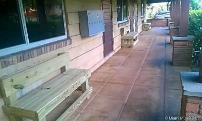 Patio / Deck, 633 NE 17th Terrace 6, 1