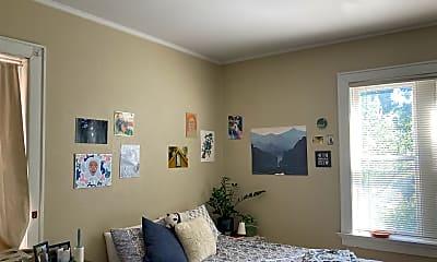 Bedroom, 7046 Forsyth Blvd, 1