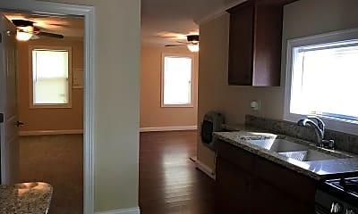 Kitchen, 4403 NE Scenic Dr, 1
