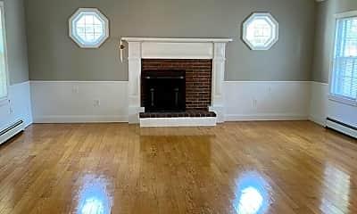 Living Room, 335 Cabot St 4, 2