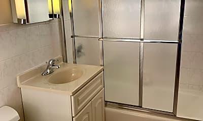 Bathroom, 607 W Park Ave 205, 2