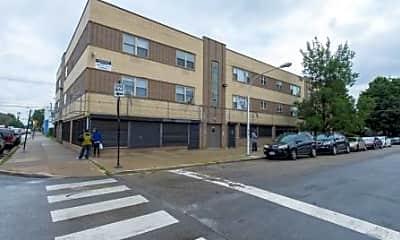 7101 S Artesian Avenue, 1