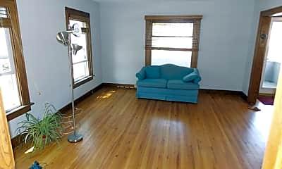 Living Room, 321 S Wheaton Ave, 1