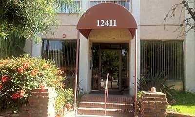 Community Signage, 12411 W Magnolia Blvd, 1