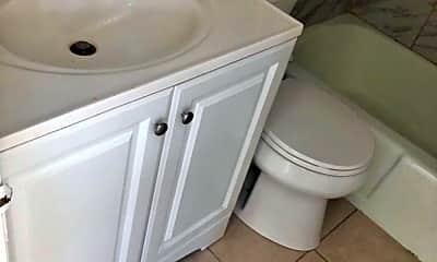 Bathroom, 621 W Main St, 2