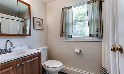 Bathroom, 1394 Stony Brook Rd, 2