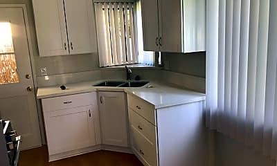 Kitchen, 415 1/2 Richmond St, 1