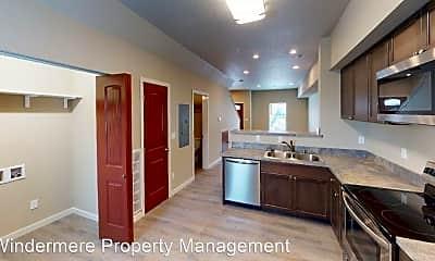 Kitchen, 105 SW Silverstar Ln, 1