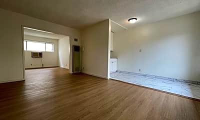 Living Room, 5060 Bakman Ave, 1