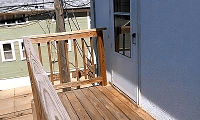 Patio / Deck, 707 W 8th St, 2