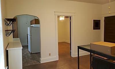 Dining Room, 3724 Lovell Ave, 1