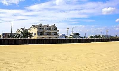 Building, 152 Ocean Ave N A3, 2