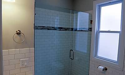 Bathroom, 3824 N Clark St, 2