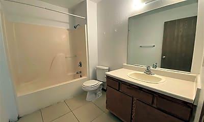 Bathroom, 4225 S 25th St, 1