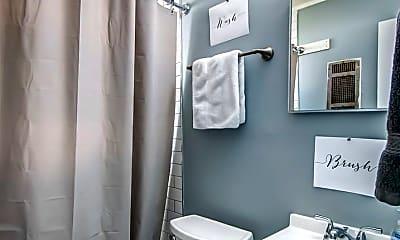 Bathroom, 501 Meridian St, 1