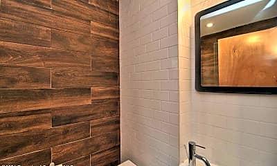 Bathroom, 1324 Linden St, 1