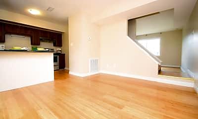 Living Room, 434 Myrtlewood Cir, 2