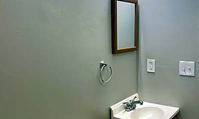 Bathroom, 1304 Ireland St, 2