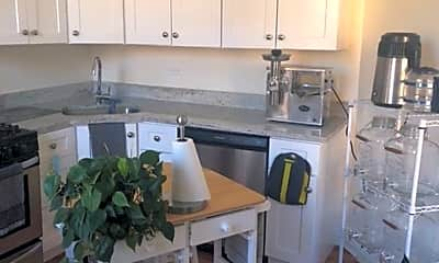 Kitchen, 113 N Oak Park Ave, 2