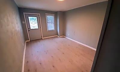 Bedroom, 725 W 8th St, 1