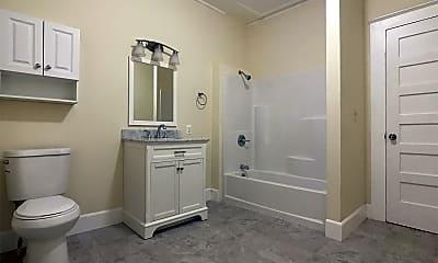Bathroom, 904 Peoples Ave, 1