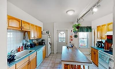 Kitchen, 38 Bond Street, Unit 1R, 2