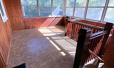 Patio / Deck, 2609 Hillcrest Ave, 1
