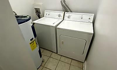 Bathroom, 3103 E Marshall St, 2