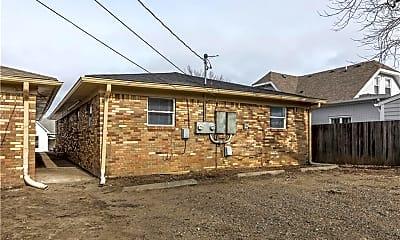 Building, 817 Iowa St, 2