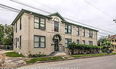 Building, 204 E Dewey Pl, 1