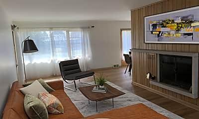 Living Room, 519 Austin Ave, 1