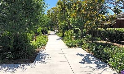 Garfield Park Village, 2