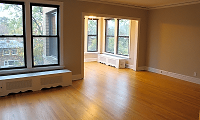 Living Room, 1324 W Sherwin Ave, 1