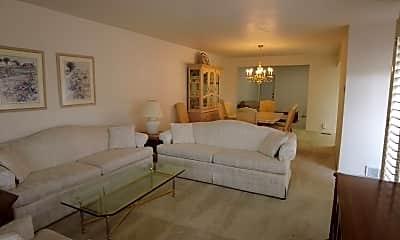 Living Room, 5176 S 1870 E, 1