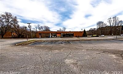 676 Morganton Blvd SW, 1