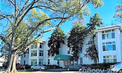 2501 Roswell Ave 301, 0